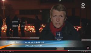 Markus Preiss (ARD) während einer Liveschaltung aus Haltern.